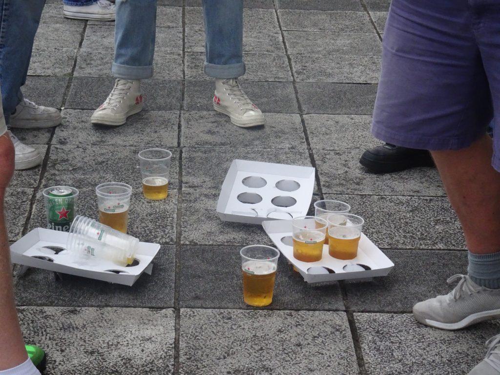 ビールのカップが6個入るキャリアー