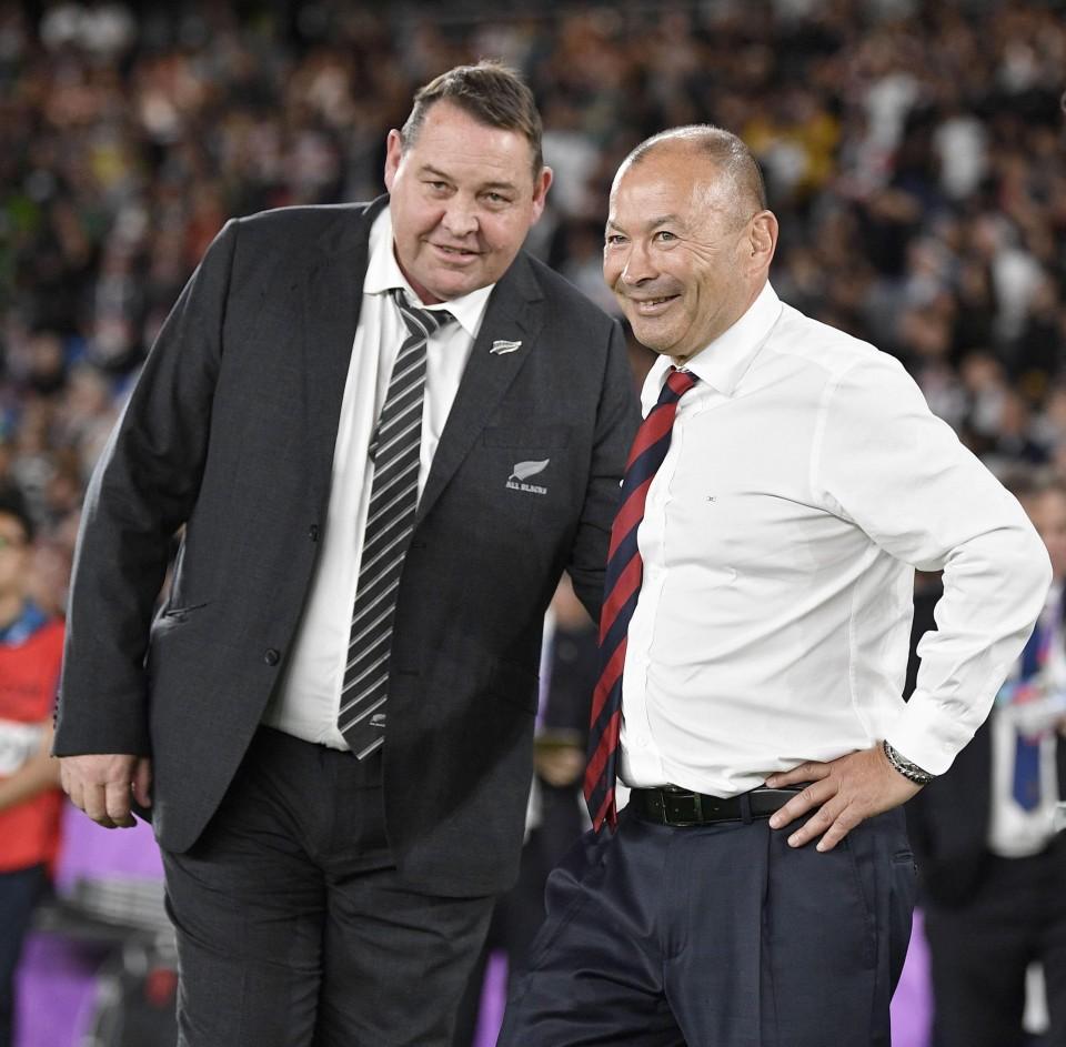 試合後に労いあうハンセンさんとエデイさん
