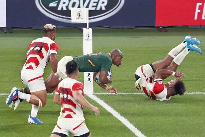 別のトライをする南アフリカの選手