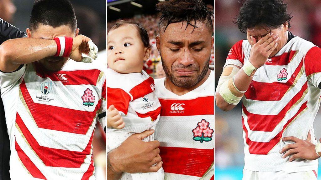 涙を流すジャパンの選手たち