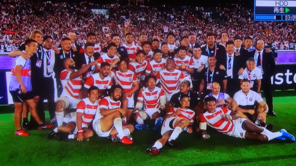試合後に喜ぶジャパンの選手たち