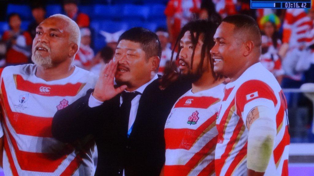満面の笑顔の長谷川コーチ
