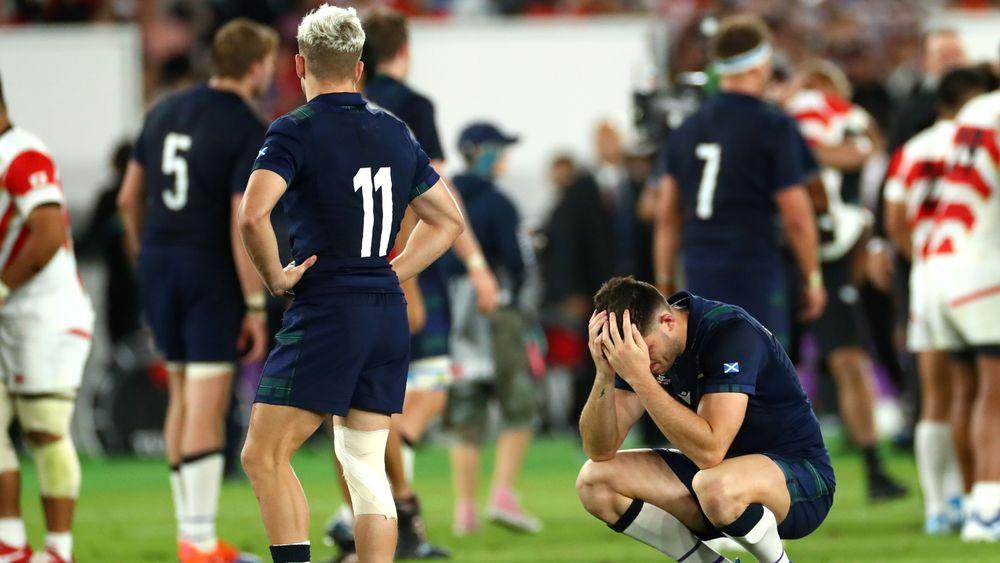 ガックリするスコットランドの選手たち