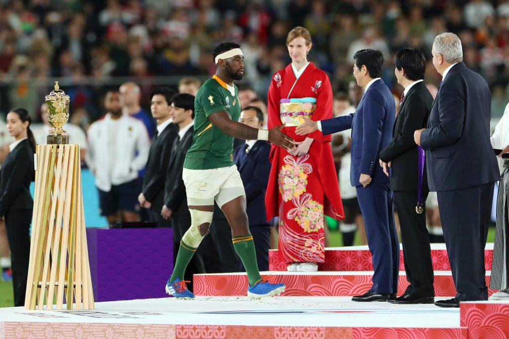 メダルを受け取る南アフリカの選手たち
