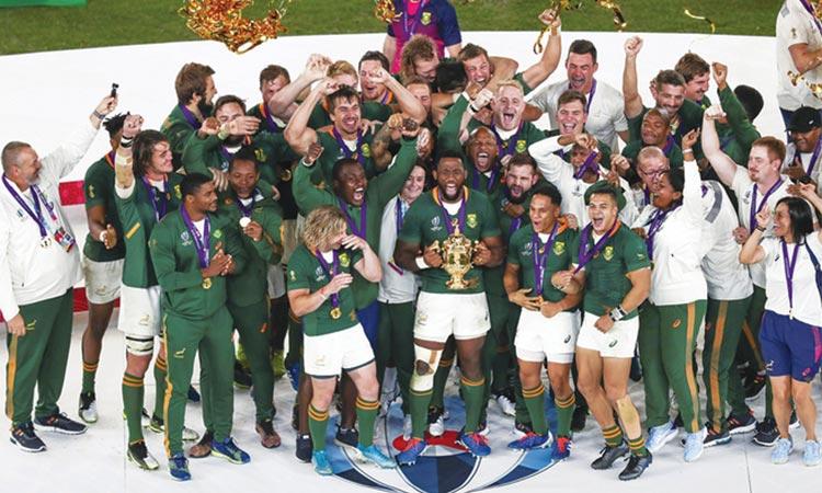 表彰台で喜ぶ南アフリカの選手たち