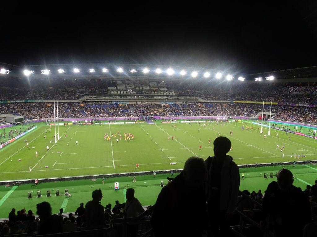 客席から見たスタジアム内の光景