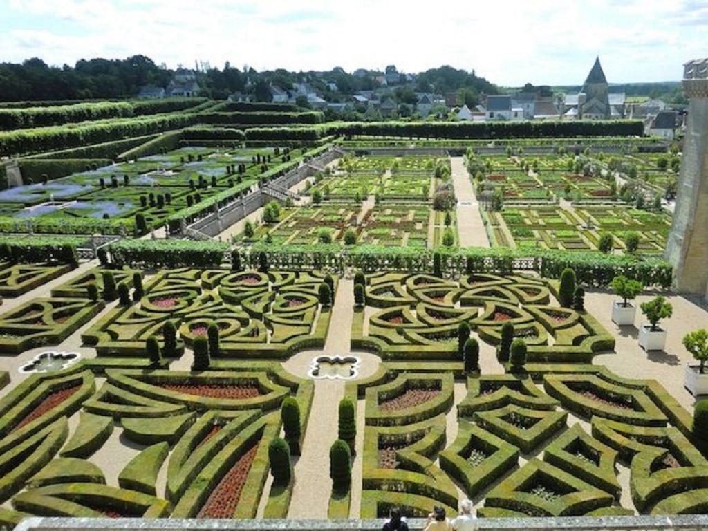 人工的な西洋式庭園
