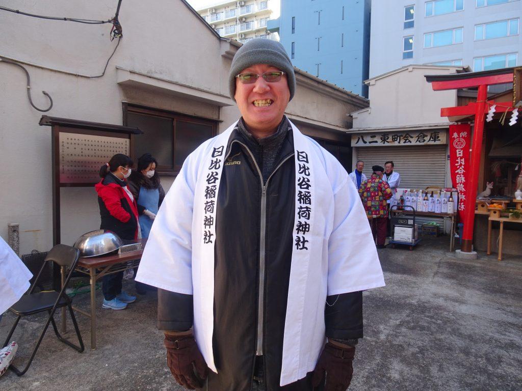 法被を着たお寿司屋さんののがみさん