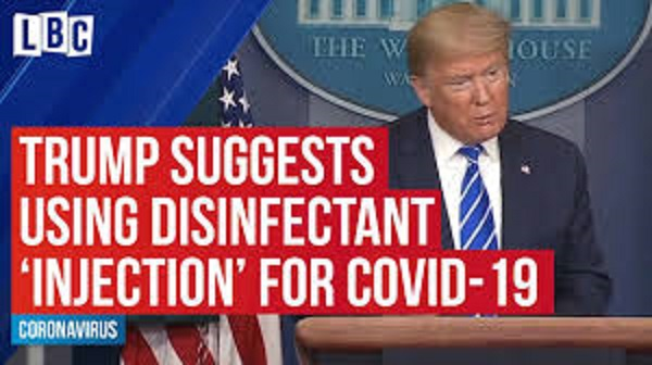 消毒液の効果について演説するトランプ大統領