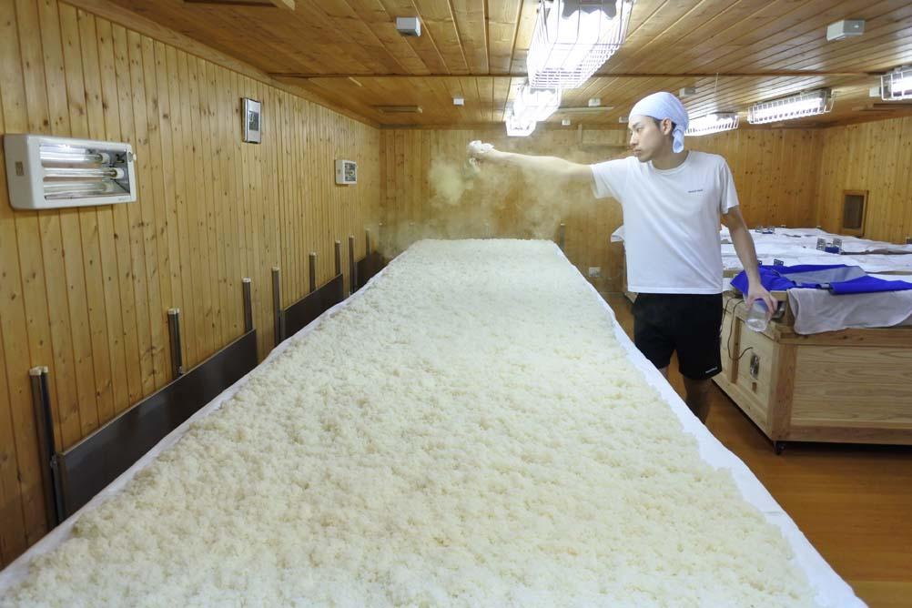 米麹を造っている様子