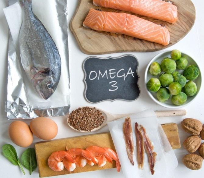 魚介類の脂ののった部位にオメガ3脂肪酸が多いことを説明する図