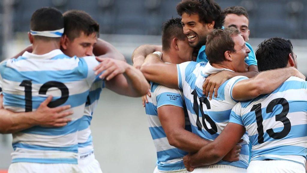 喜ぶアルゼンチンの選手