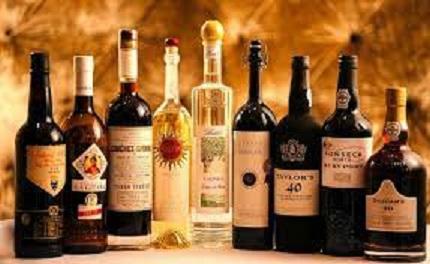 世界のブドウの粕取り蒸留酒