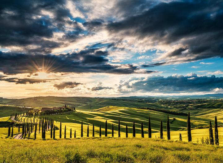トスカーナの丘陵の風景