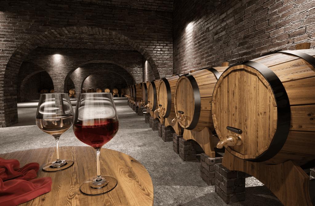 樽熟成されている赤ワイン