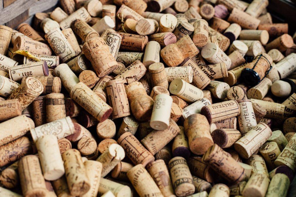 ワインの瓶に用いられるコルク