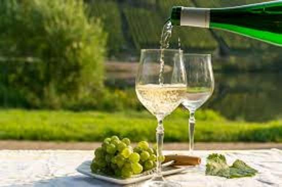 ドイツの辛口の白ワインのボトル