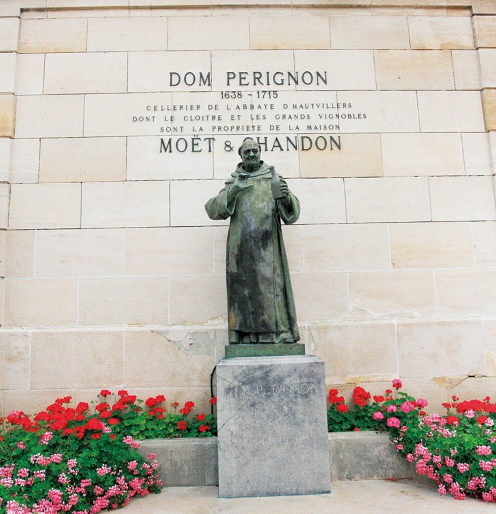 ドン・ピエール・ペリニョンの銅像